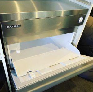 ネクスト厨機製氷機入れ替え