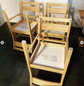 中古厨房機器の納品 椅子